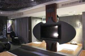 batman-hotel 03